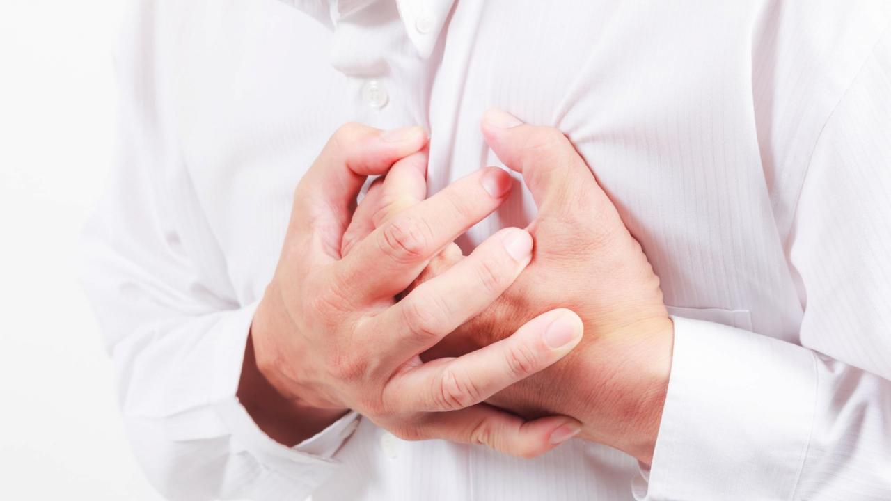 Боль за грудиной при стенокардии
