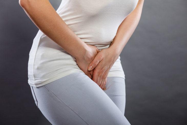 Цистит проявляется частыми позывами и болезненным мочеиспусканием